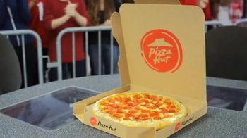 Pizza Hut TV Spot, 'ESPN: I'm a Fan Too' Featuring Samantha Ponder - Thumbnail 6