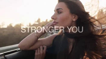 Garnier Fructis Grow Strong TV Spot, 'Longer Hair' - Thumbnail 10