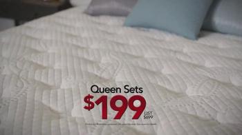Sleepy's Friends & Family Sale TV Spot, 'Queen Sets' - Thumbnail 4