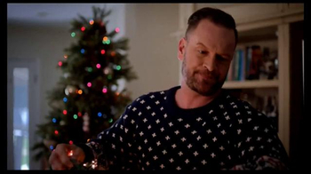 Points of Light LED Lightshow TV Spot, 'Spread Holiday Cheer' - Thumbnail 2