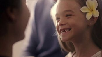Hawaiian Airlines TV Spot, 'Sights, Sounds and Stories' - Thumbnail 6
