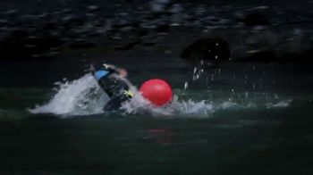 Oris Aquis Date Relief TV Spot, 'Expedition Swim' Featuring Ernst Bromeis - Thumbnail 6