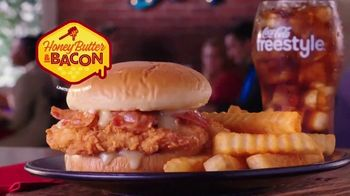 Zaxby's Honey Butter & Bacon Filet Sandwich TV Spot, 'Sweet and Smoky' - Thumbnail 5