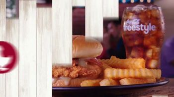 Zaxby's Honey Butter & Bacon Filet Sandwich TV Spot, 'Sweet and Smoky' - Thumbnail 6