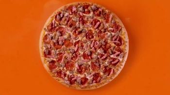 Little Caesars Pizza HOT-N-READY 5-Meat Feast TV Spot, 'Drummer' - Thumbnail 5