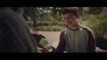 Extra Gum Refreshers TV Spot, 'Max & Bill: New Friends' Song by Jacob Banks - Thumbnail 2