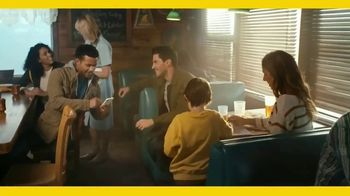Expedia TV Spot, 'The Couple Who Wanted to Get Away' - Thumbnail 6