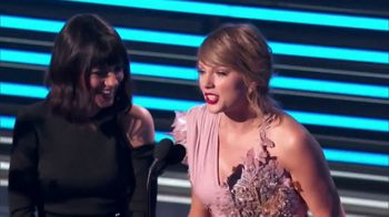 XFINITY X1 Voice Remote TV Spot, '2019 Billboard Music Awards' Featuring Kelly Clarkson - Thumbnail 5