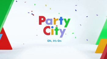 Party City TV Spot, 'Party Cups, Sombreros & Fiesta Tableware' - Thumbnail 10