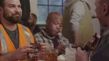Golden Corral Endless Ribs TV Spot, 'Salad Bar' - Thumbnail 2