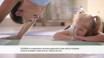 Eucrisa TV Spot, 'Yoga'