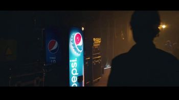 Pepsi TV Spot, 'Standup' Featuring John Leguizamo - Thumbnail 6
