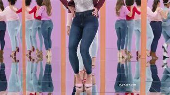 Old Navy High-Rise Rockstar TV Spot, 'Dile hola a los jeans de cintura alta' canción de Janelle Monáe [Spanish] - Thumbnail 4