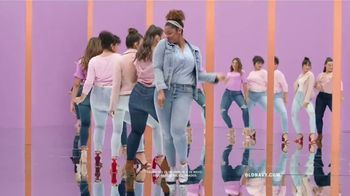 Old Navy High-Rise Rockstar TV Spot, 'Dile hola a los jeans de cintura alta' canción de Janelle Monáe [Spanish] - Thumbnail 7