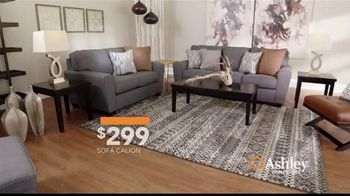 Ashley HomeStore Lowest Prices of the Season TV Spot, 'Camas, sofás y reclinables' canción de Midnight Riot [Spanish] - Thumbnail 3