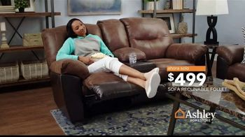 Ashley HomeStore Lowest Prices of the Season TV Spot, 'Camas, sofás y reclinables' canción de Midnight Riot [Spanish] - Thumbnail 6