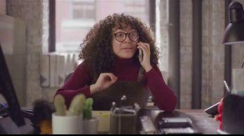 State Farm TV Spot, 'Telemundoa: Betty en NY' con Elyfer Torres [Spanish] - Thumbnail 2