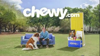 Chewy.com TV Spot, 'Talk in the Park: Chewy's Low Prices' - Thumbnail 2