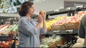 ALDI TV Spot, 'Tricks: Little Salad Bar' - Thumbnail 4