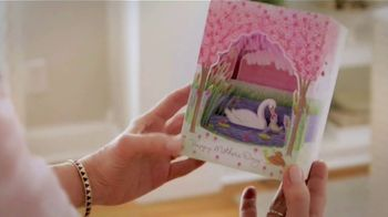 Hallmark Paper Wonder TV Spot, 'Mother's Day: See What a Card Can Do' - Thumbnail 7