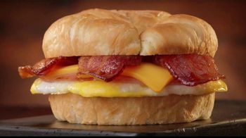Jack in the Box Breakfast Croissants TV Spot, 'Mediocre' [Spanish] - Thumbnail 2
