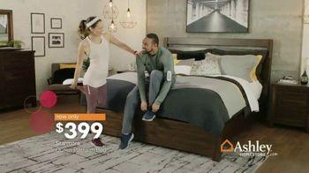 Ashley HomeStore Final Sale & Clearance TV Spot, 'Platform Bed' - Thumbnail 7