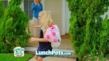 Lunch Pets TV Spot, 'Lunch Box and Cute Plush Combo' - Thumbnail 3