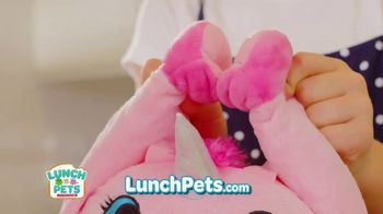 Lunch Pets TV Spot, 'Lunch Box and Cute Plush Combo' - Thumbnail 6