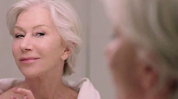 L'Oreal Paris Hydra-Nutrition Honey Eye Gel TV Spot, 'Younger & Refreshed Eyes' Ft. Helen Mirren - Thumbnail 8