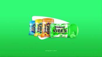 Trident Vibes Spearmint Rush TV Spot, 'Burst of Flavor' - Thumbnail 9