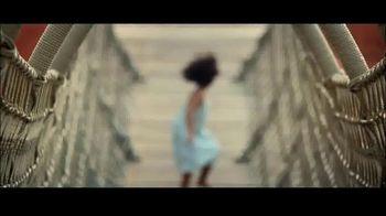 Atlantis TV Spot, 'Unexpected Moments: Save 30 Percent' - Thumbnail 5