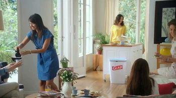 Glad OdorShield with Gain and Febreze TV Spot, 'Vecina entrometida' [Spanish] - Thumbnail 1