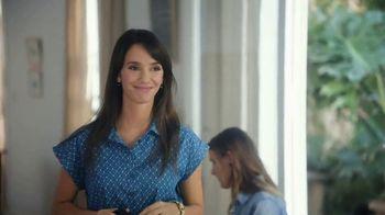 Glad OdorShield with Gain and Febreze TV Spot, 'Vecina entrometida' [Spanish] - Thumbnail 4