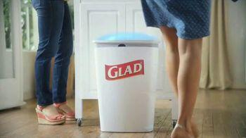 Glad OdorShield with Gain and Febreze TV Spot, 'Vecina entrometida' [Spanish] - Thumbnail 5