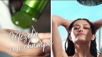 Garnier Fructis Sleek Shot TV Spot, 'Sáltate la plancha' canción de Bruno Mars [Spanish] - Thumbnail 5