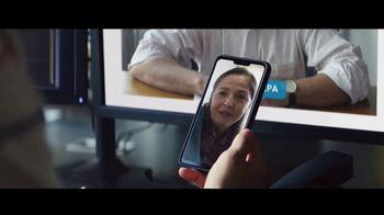 TurboTax Live TV Spot, 'Mamá metiche' [Spanish]