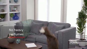 Febreze ONE TV Spot, 'Brand Power: Innovative Air Freshener' - Thumbnail 4