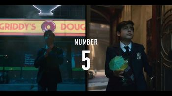 Netflix TV Spot, 'The Umbrella Academy' Song by Tiffany - Thumbnail 6