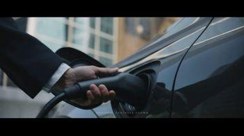 2019 Volvo XC60 TV Spot, 'Jogger' [T1] - Thumbnail 3