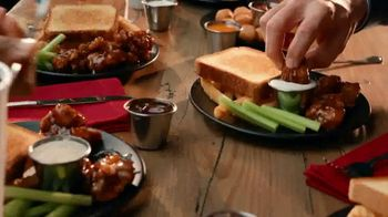 Zaxby's Boneless Wings Meal TV Spot, 'Bringing People Together: Order Ahead' - Thumbnail 7