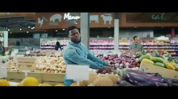 Chase Freedom Unlimited Card TV Spot, 'You're Always Earning at the Grocery Store' Featuring Kevin Hart - Thumbnail 3