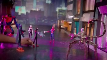 Spider-Man: Into the Spider-Verse Figures TV Spot, 'Teaming Up' - Thumbnail 8