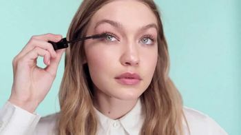 Maybelline New York Snapscara TV Spot, \'In a Snap\' Featuring Gigi Hadid