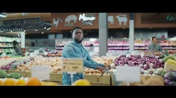 Chase Freedom Unlimited Card TV Spot, 'You're Always Earning' Featuring Kevin Hart - Thumbnail 3