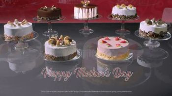 Cold Stone Creamery Signature Ice Cream Cakes TV Spot, 'Mother's Day' Song by Uncle Kracker - Thumbnail 6