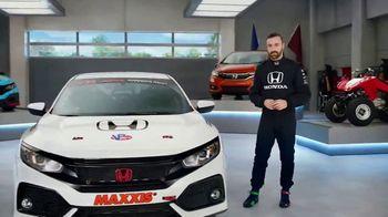 Honda Dream Garage Spring Event TV Spot, 'CR-V and HR-V' Featuring James Hinchcliffe [T2] - Thumbnail 2