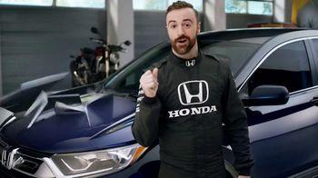 Honda Dream Garage Spring Event TV Spot, 'CR-V and HR-V' Featuring James Hinchcliffe [T2] - Thumbnail 4