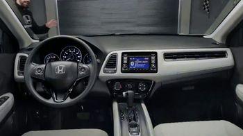 Honda Dream Garage Spring Event TV Spot, 'CR-V and HR-V' Featuring James Hinchcliffe [T2] - Thumbnail 5