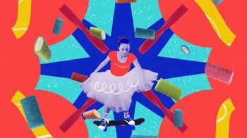 SweeTARTS Soft & Chewy Ropes TV Spot, 'Be Both: Grace & Grit' - Thumbnail 5