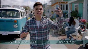 Spectrum Mobile TV Spot, 'Spectrum Mobile It' Featuring Sofia Reyes, Thomas Augusto - Thumbnail 6